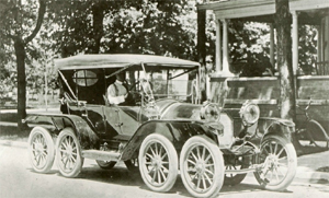 Milton Reeves Octo-Auto in 1911 (wikipedia)