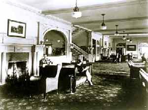 StanleyHotelLobby-1920-EParkMuseum.jpg (247x186 -- 10044 bytes)