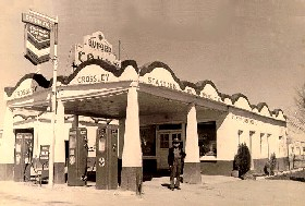 Crosley Standard Oil Station in Moriarty, New Mexico