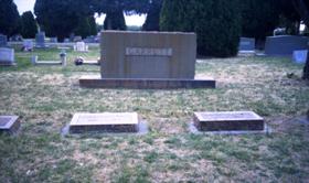 Garrett family plot, 2002, photo by Corey Recko