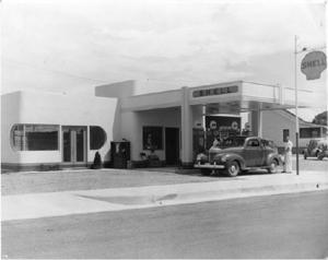 Kimo Cafe and Shell Station, Kingman Arizona, circa 1940