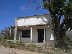 Gleeson, Arizona  Saloon