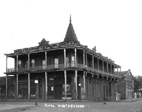 Hotel Weatherford in the early 1900s