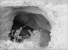 Tombstone mine shaft, 1940