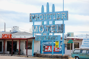 Truxton, Arizona Frontier Motel