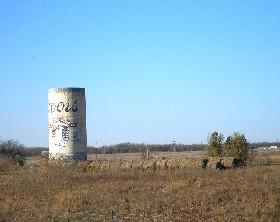 Beer can silo near Emporia, Kansas