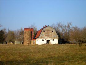 Old barn in Bourbon, Missouri