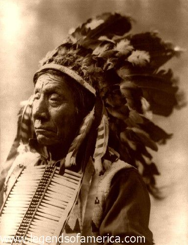 http://www.legendsofamerica.com/photos-nativeamerican/ChiefRedCloud1900-500.jpg
