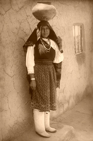 Tiwa Woman at isleta Peublo, New Mexico, 1910