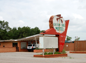 The old Cotton Boll Motel in Canute, Oklahoma