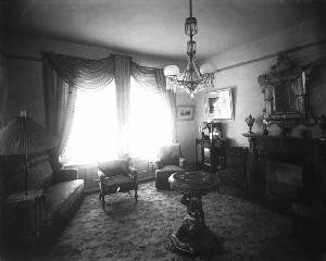 1890 Parlor