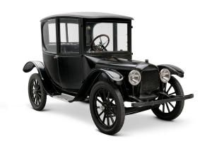 1916 Woods Dual-Power Hybrid Coupe - Photo from The Henry Ford Collection