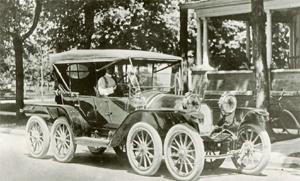 Milton Reeves Octo-Auto in 1911 (wikipedia)