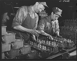 Production of Jeep Engines, Continental Motors, Alfred T. Palmer 1942