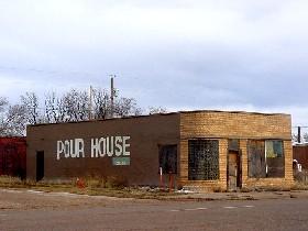 """""""Pour House"""" in San Jon, New Mexico"""