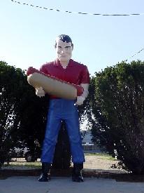 Hot Dog Muffler Man in Atlanta, Illinois