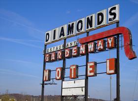 Diamonds Restaurant Sign in Gray Summit, Missouri