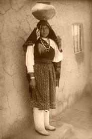 Tiwa Woman at isleta Peublo, New Mexico, 1910