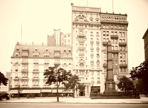 Hoffman House and the adjoining Albemarle Hotel in 1910,