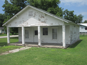 Mickey Mantle home in Commerce, OK. 2013 Gregory Hasman