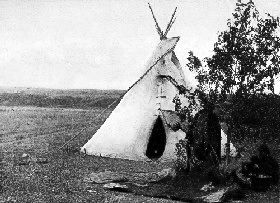 Arikara tipi, 1908, photo by Edward S. Curtis