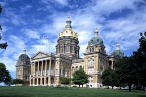 Iowa Capitol, Des Moines, Iowa by Carol Highsmith