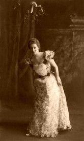Under the mistletoe, 1898
