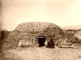 A Pima Ki, or home, in Pima, Arizona, 1907