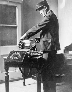 Telegraph Operator, 1908