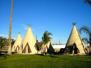 Wigwam Motel, Rialto, California by Kathy Weiser