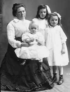 Belle Gunness and Children