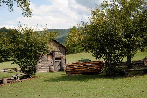 Cumberland Gap Visitor Center Cabin