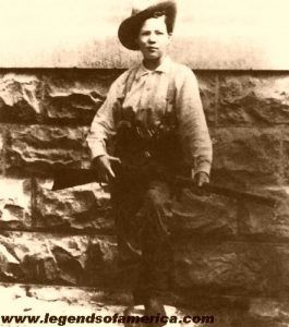 Pearl Hart often dressed in men's clothing