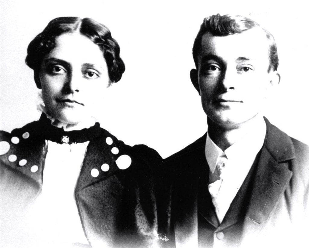 T.C. (Carl) and Sedona in 1899.