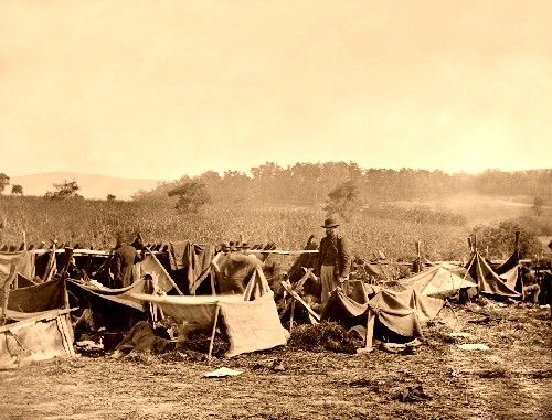 Caring for the wounded at Antietam, 1862