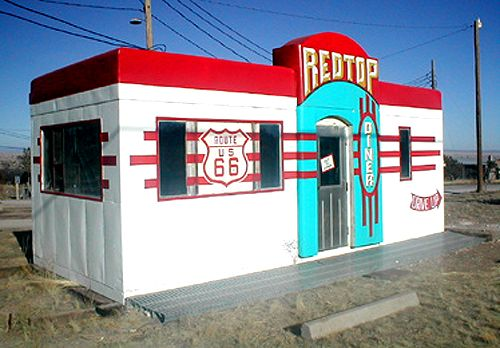The Red Top Valentine diner in Edgwood, New Mexico, photo courtesy Jerry Ueckert.