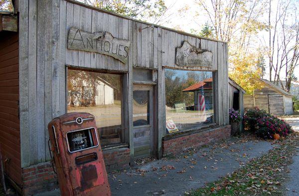 Funks Grove, Illinois Antiques