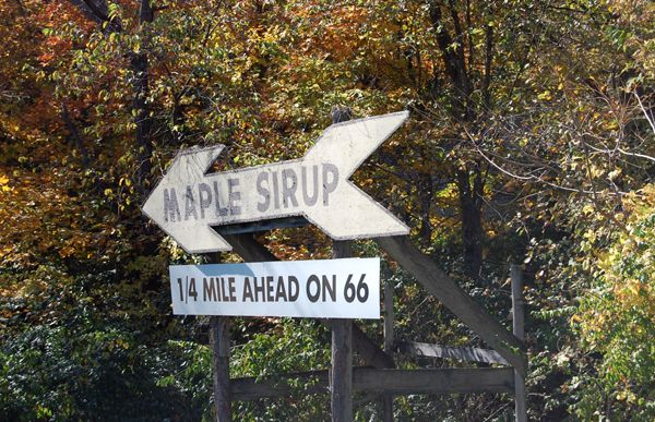 Funks Maple Sirup Sign