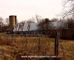 Old barn east of Marshfield, Missouri