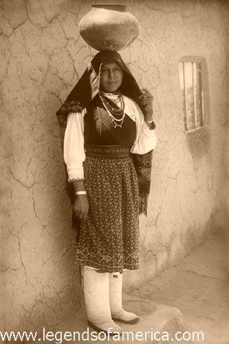 Tiwa Woman at isleta Pueblo, New Mexico, 1910