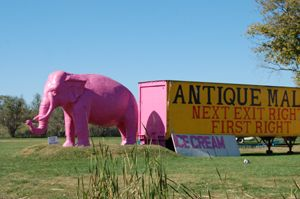Pink Elephant Antique Mall, Livingston, Illinois