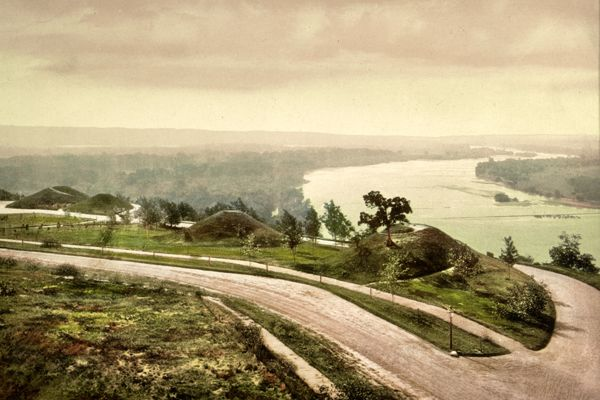 Down the Mississippi from Indian Mound Park, St. Paul - Det Pub 1898