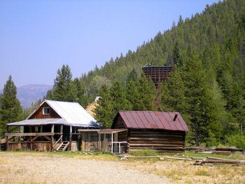 Cabins in Custer, Idaho