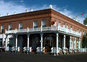 Shaniko Hotel, photo by Lynn Ewing