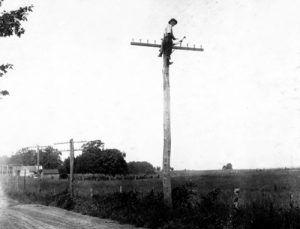 Telegraph lineman, 1916.