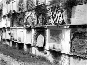 Haunted Cities of the Dead in New Orleans, Louisiana – Legends of