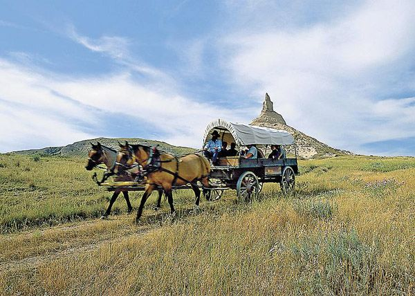 Covered wagon at Chimney Rock, Nebraska