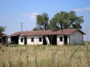An old lodging facility at Jericho, Texas, by Kathy Weiser-Alexander, 2007.