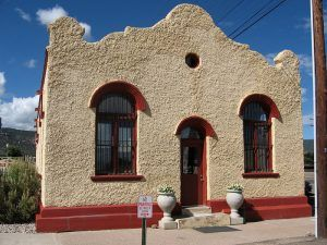 An art gallery is housed in the old Wells Fargo Building in Raton, New Mexico, courtesy Wikipedia