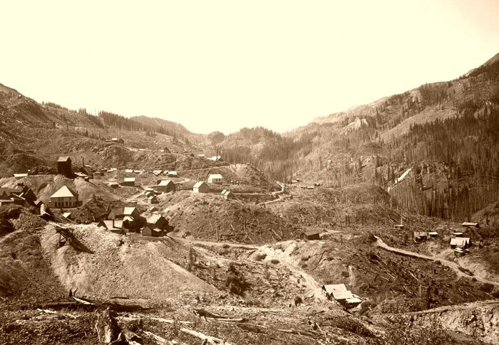 Guston, Colorado from north of the Robinson Mine, looking south, 1900.